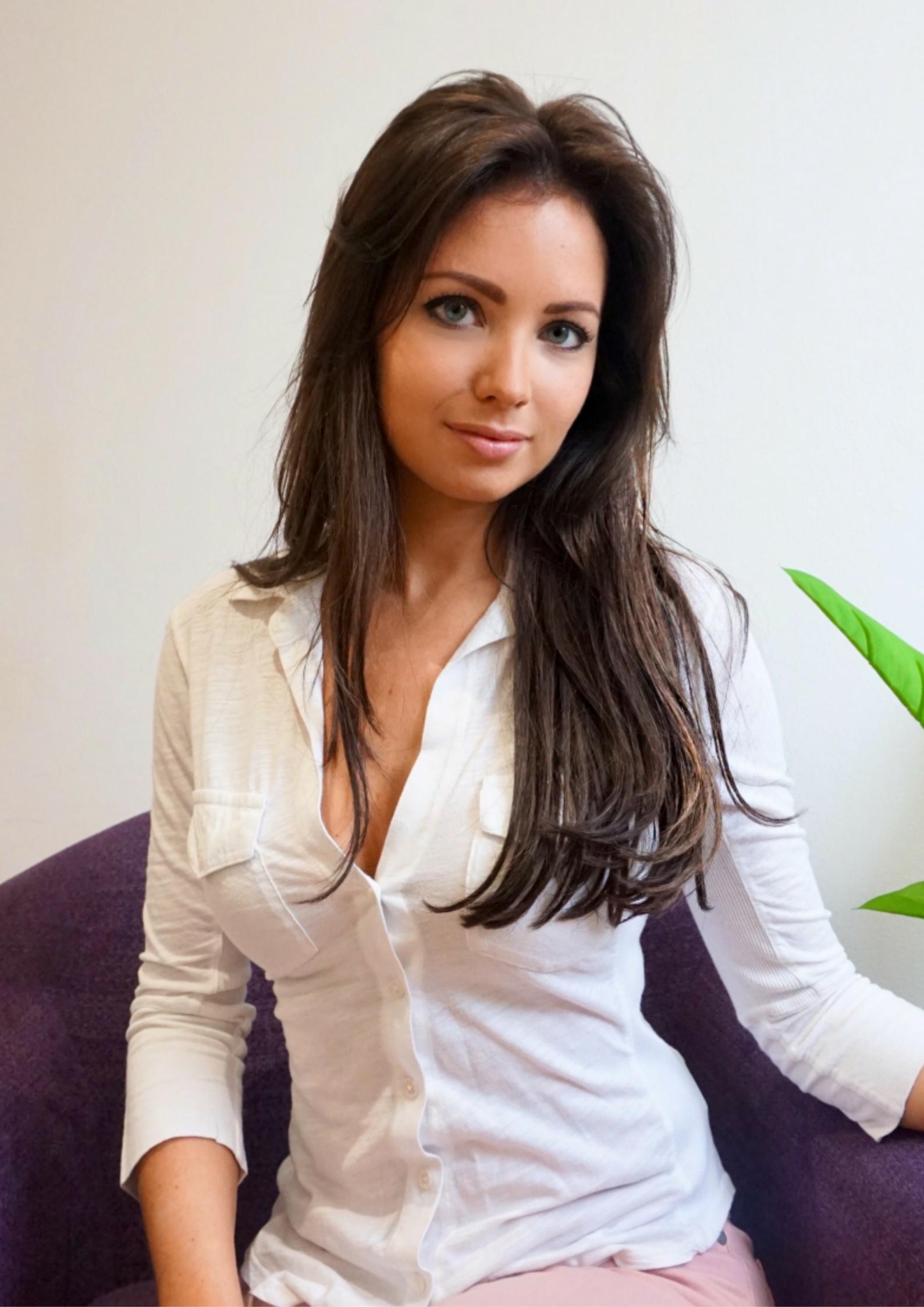 Harriette Hale - Business Coach - Mindset Coach - Ask Harriette - London